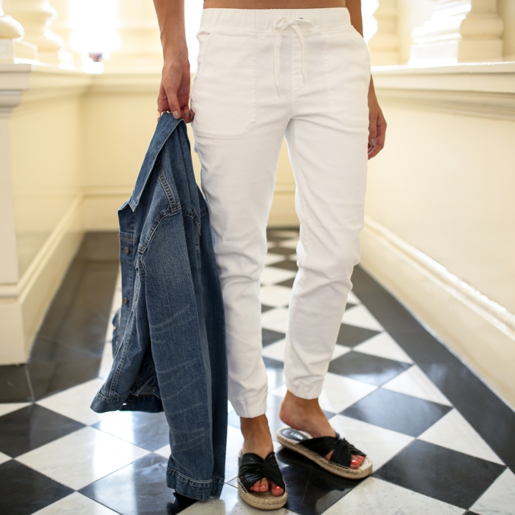 Uniqlo White Pants Jo Hombsch