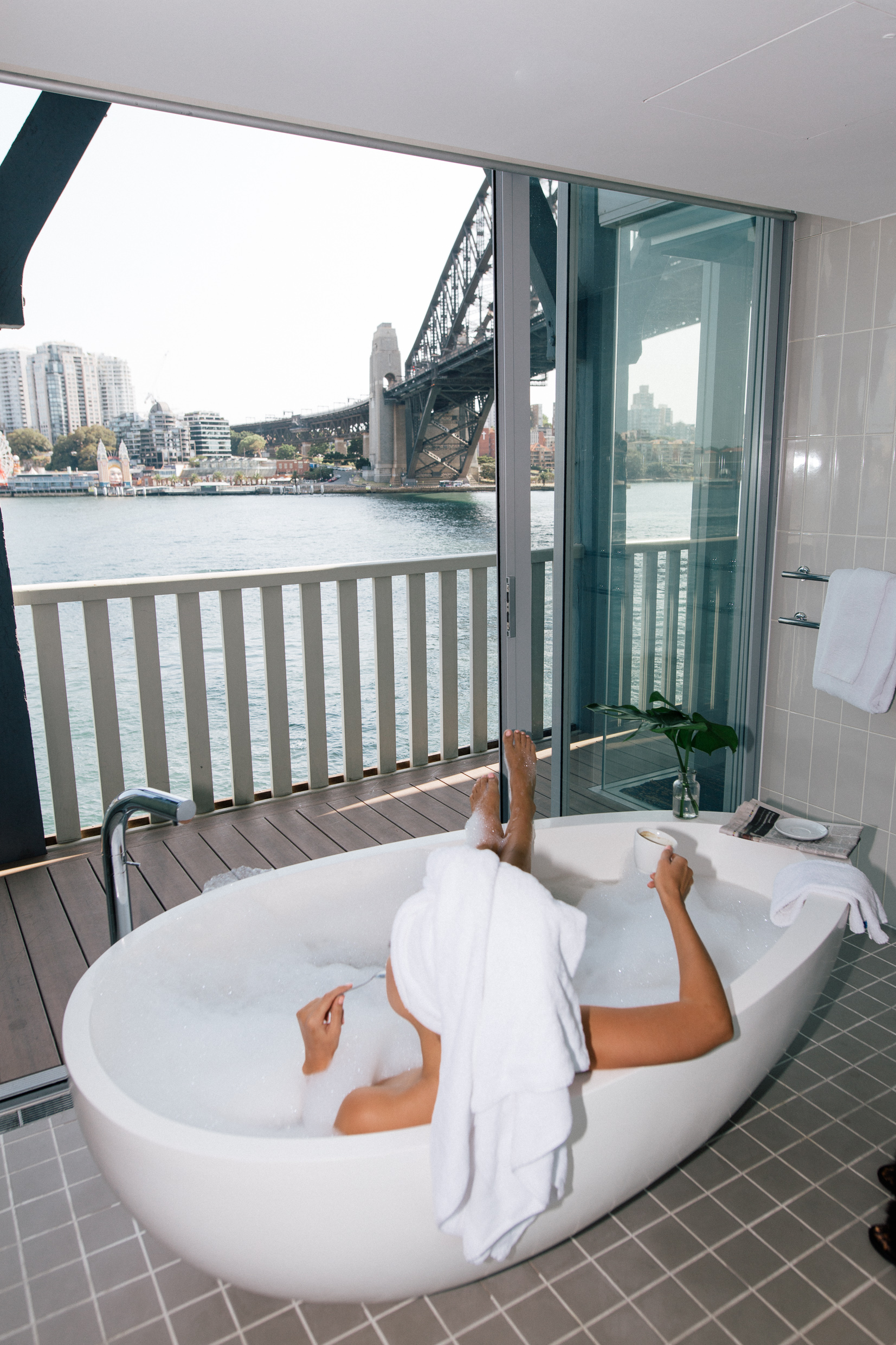 Pier One Hotel Admiral Suite Sydney Harbour Bridge bathtub